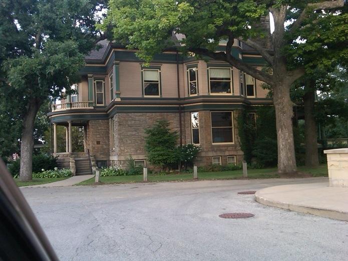 Main St., No., 813 - 4